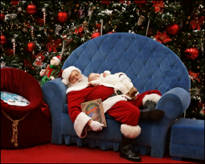 327cd-121210_sleeping_santa1