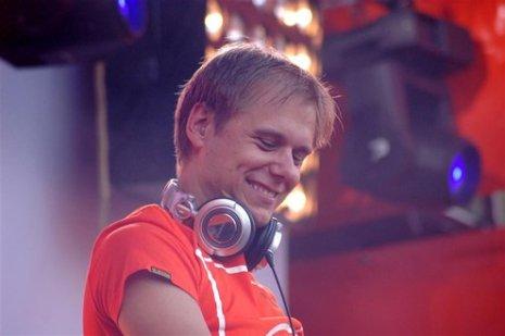 Armin van Buuren (32).JPG