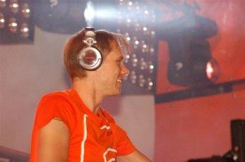Armin van Buuren (60).JPG
