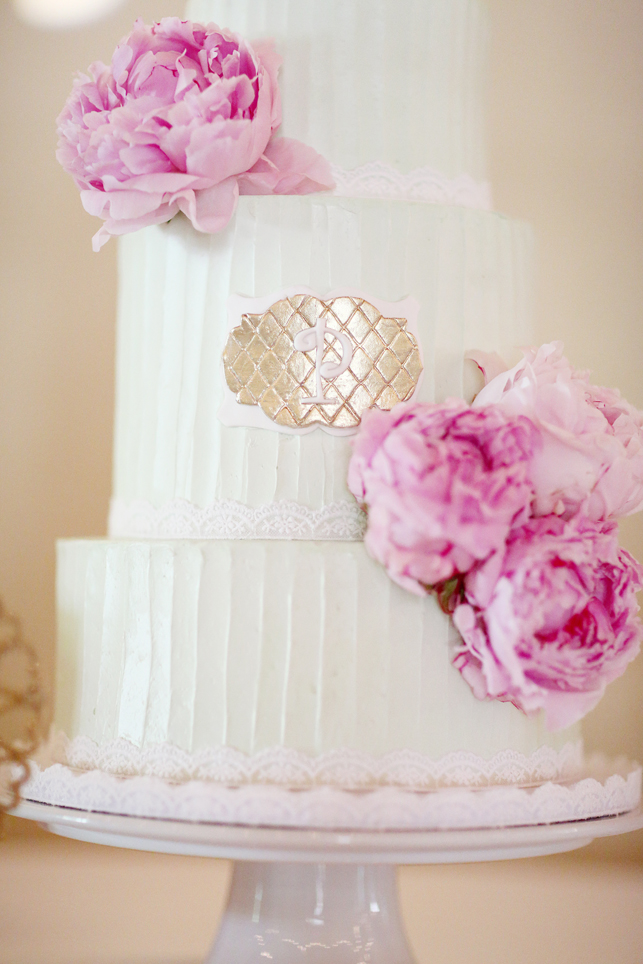 Buttercream wedding cake with fresh flowers, buttercream, wedding cake with peonies,