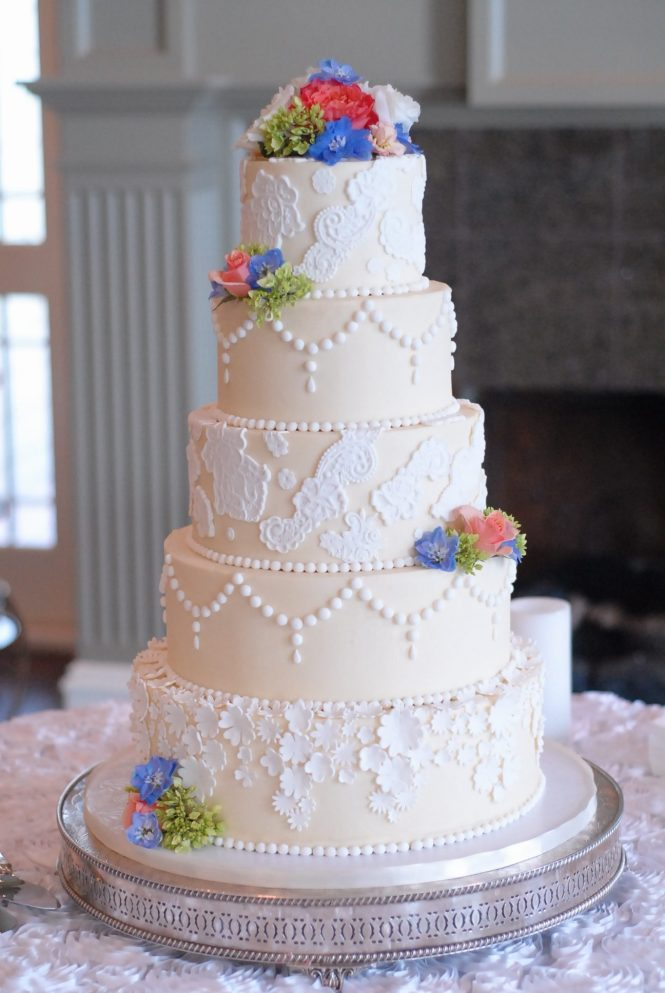 Buttercream and fondant lace wedding cake, fondant pearls, ivory and white wedding cake, buttercream wedding cake