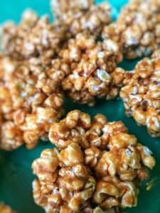 Popcorn Karamel Kugler, nemme og hurtige at lave, no bake