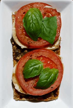 Tomato Caprese using Wasa Crispbread