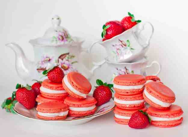Triple Strawberry Macarons