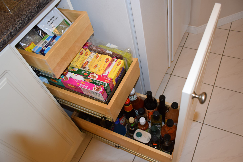 Custom Slide Out Shelving Inc.: Kitchen Pull Out Shelves