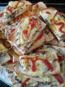Tradycyjne zapiekanki z pieczarkami i serem Serenada