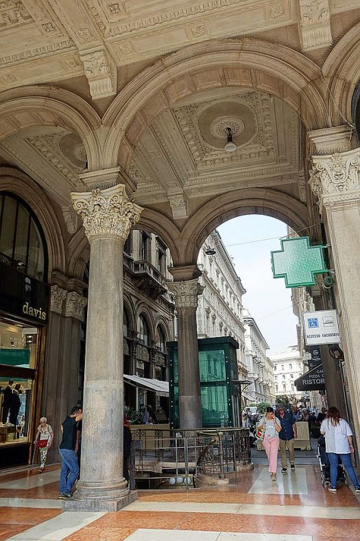 By the Duomo, porticoes leading to more shopping