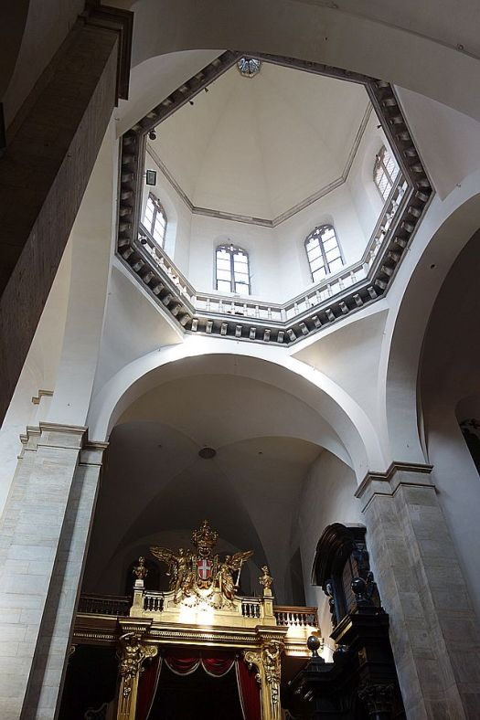 Looking up to the smaller dome