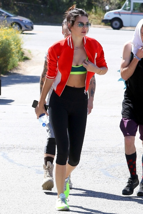 gallery-1428347952-gty-kendall-jenner-150406-1