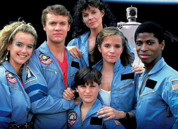 SPACECAMP, Kelly Preston, Tate Donovan, Kate Capshaw, Lea Thompson, Larry B. Scott, front: Joaquin Phoenix (as Leaf Phoenix), 1986