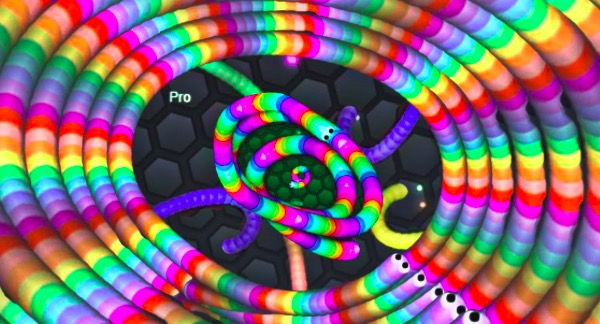 Best Slitherio Mods To Play Slitherio Skins Hacks Mods Unblocked