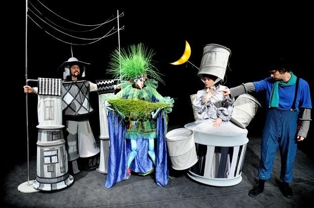 Сливенският куклен театър отлага неделното си представление заради студа