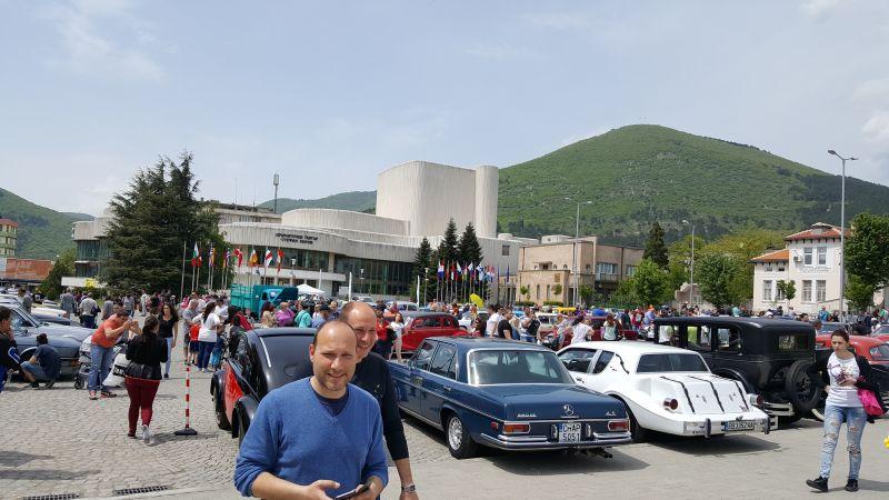 Ретро автомобили и мотоциклети дефилираха в Сливен