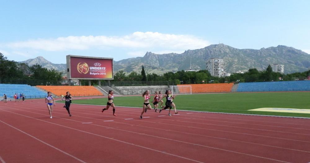 Отбор по лека атлетика на сливенска гимназия ще участва в световни ученически игри