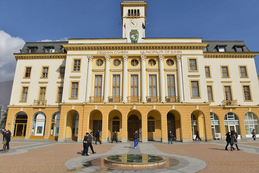 Община Сливен ще обжалва решението на Административния съд да отмени забраната за движение на каруци в града
