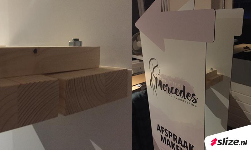 Handige constructie, bedrukte reclameborden met eigen vorm. Slize print en drukwerk Oldenzaal x Hengelo.