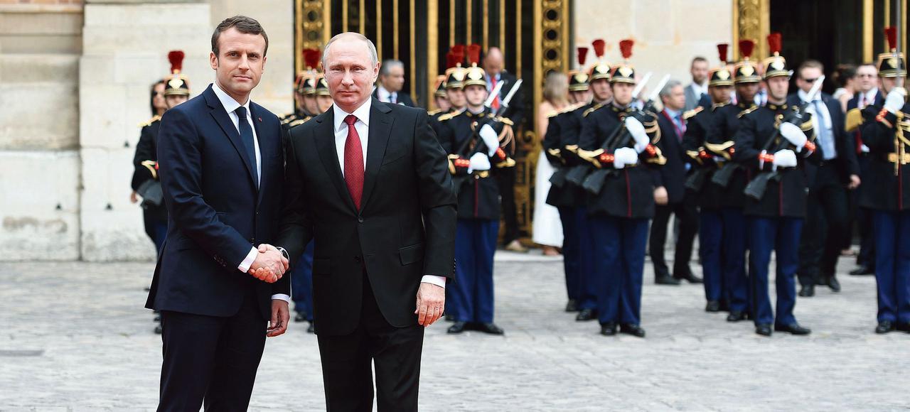 LE FIGARO: Stretnutie Macrona s Putinom? Majstrovská ukážka zmyslu pre históriu a umenie komunikácie!