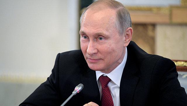 RIA NOVOSTI: Vladimir Putin povedal, že navrhol bývalemu prezidentovi USA Billovi Clintonovi, aby zvážil vstup Ruska do NATO