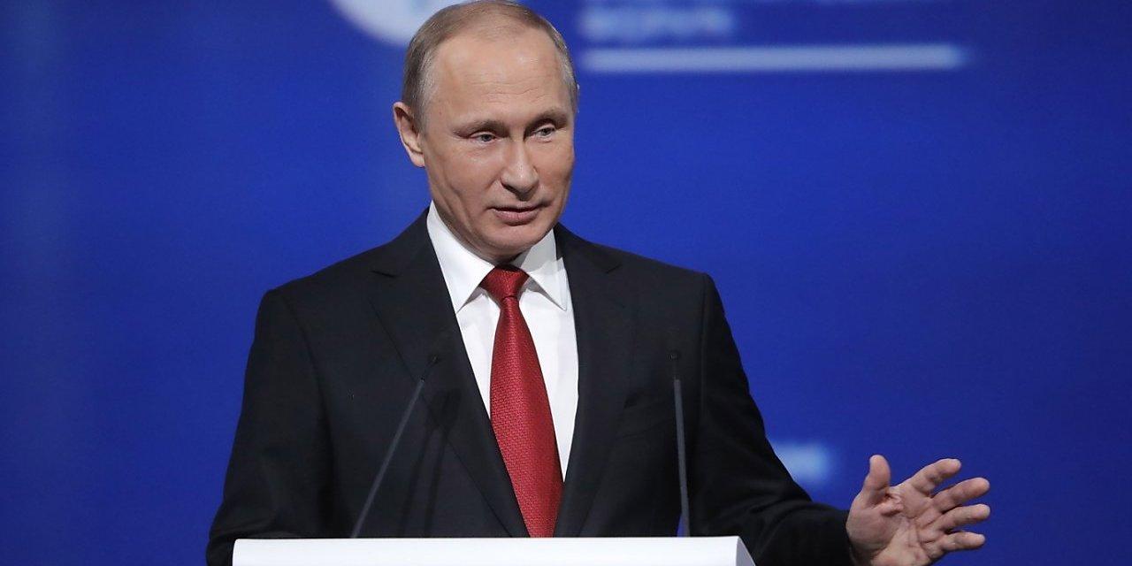 """SALZBURGER NACHRICHTEN: """"Nemám žiadne kompromitujúce informácie o Trumpovi"""", tvrdí Putin"""