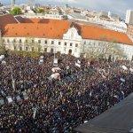 Slušné Slovensko ukázalo aký je rozdiel medzi konšpiráciou a pravdou. Tri a pol mesiaca