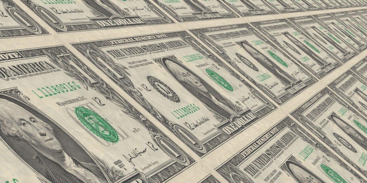Americký dolár na šikmej ploche