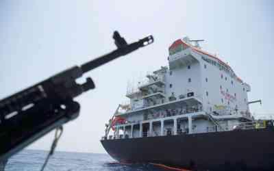 Irán zadržal v Hormuzskom prielive britský tanker.