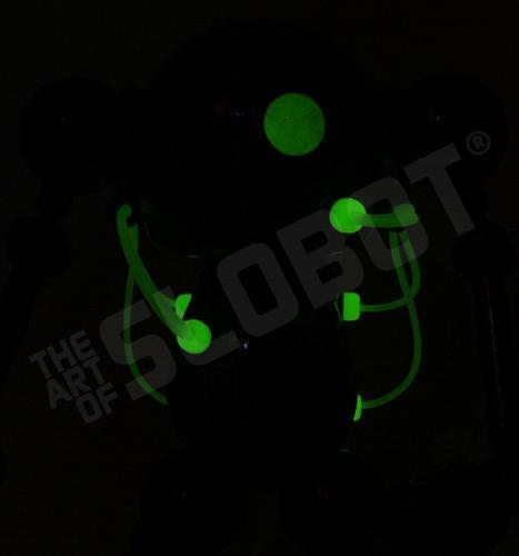 mikeslobot_SUPbot_glow_cu2