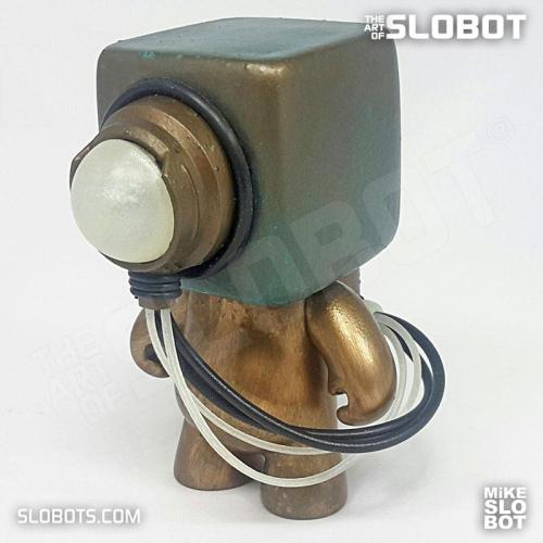 Deep 6 Mk2 Diving Robot Mike Slobot 04 Glow in the Dark wires
