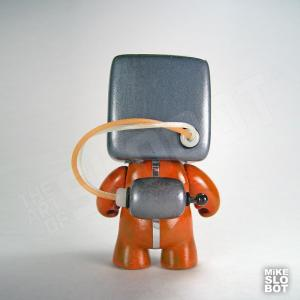 MikeSlobot A19FleetMechanics Robot Sculpture Back
