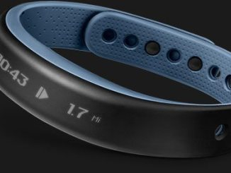 Vivosmart Garmin band in blue