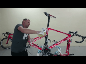 Katusha mechanic washing pro bikes