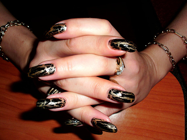 Black Gold Nails