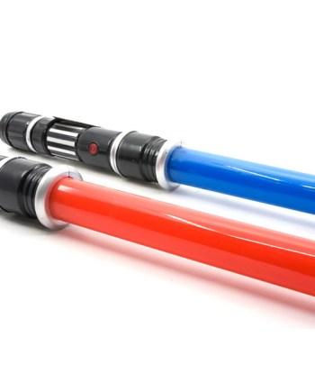 MAČ Laser Sword, plastični mač na izvlačenje radi sa 3 baterije tipa AAA od 1.5V, proizvodi zvuk i svijetli.