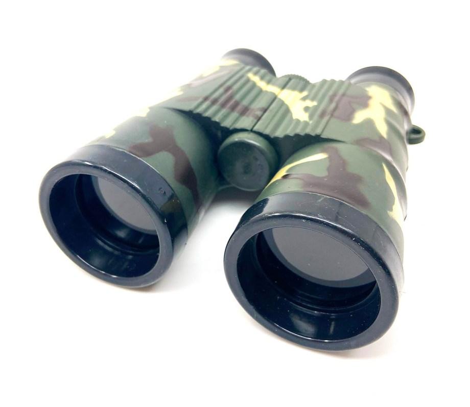 Dalekozor dječji, Vojni dalekozor Military. Dječji dalekozor u vojnom stilu. Dalekozor koji stvarno uvećava predmete u daljini idealan za igranje vojnika ili igru u prirodi.