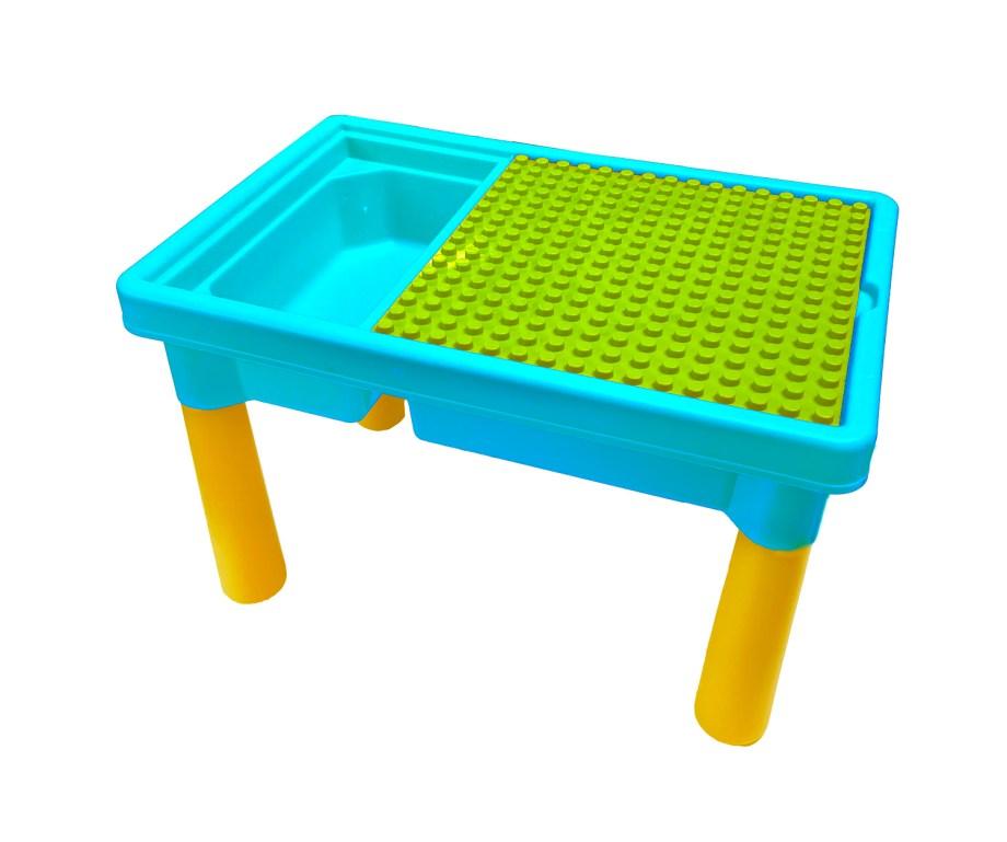 Dječji plastični stolić sa kockama, 56 komada. Dječji stolić u 2 boje, sa 56 različitih kocki. Stolić sadrži i ploču za slaganje na kojoj se djete može igrati, slagati