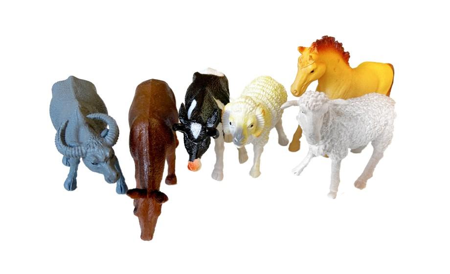 Gumene domaće životinje u vrećici 6 komada. U vrećici se nalaze prekrasne gumene životinje veličine cca. 10 centimetara.