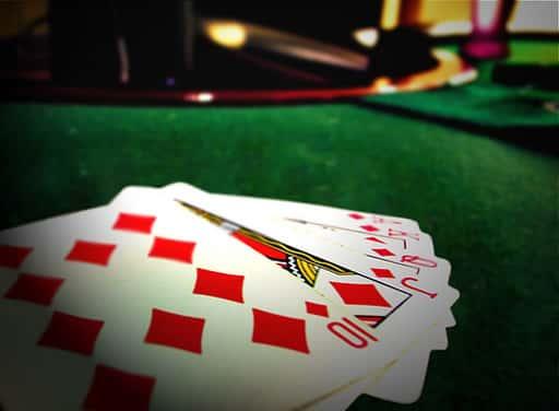 ポーカーとは、どんなギャンブル?