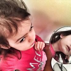 Kara mirror