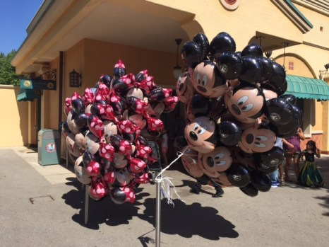 Disneyland Paris Mickey Minnie balloons