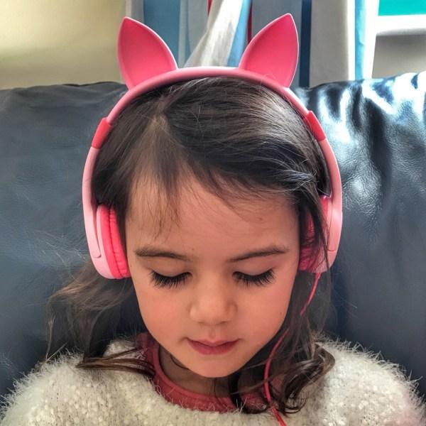 Kara Christmas 2017 headphones music