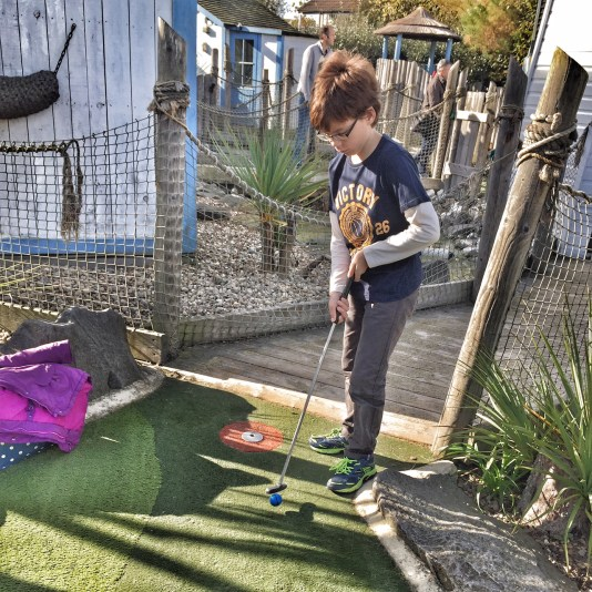 butlins-isaac-crazy-golf