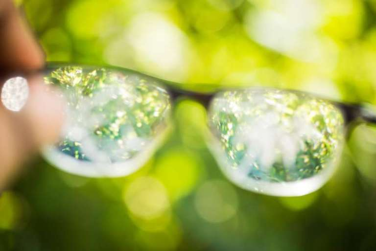 Pešanju vida, ki pride z leti, se ni moč izogniti