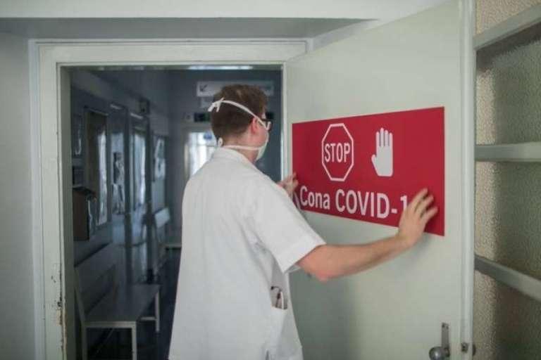 Štiri bolnišnice bodo začasno sprejemale okužene oskrbovance iz domov za starejše, ki niso zboleli