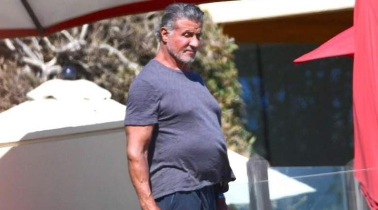 Kaj pod majico skriva Sylvester Stallone ?