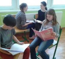 Využitie textov populárnej hudby na hodinách slovenského jazyka a literatúry