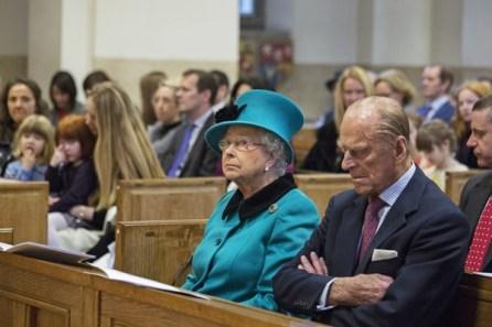Королева Елизавета на службе в англиканской церкви