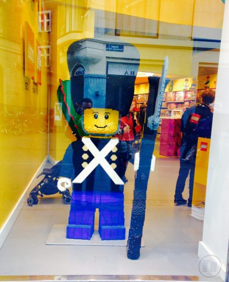 Lego Store Garde Guard