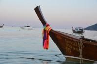 Barcă tailandeză cu coadă lungă. Long Tail Boat. Ko Phi Phi. Photo: ©Slowaholic