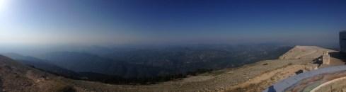 Muntele Ventoux și priveliștea văzută de acolo la asfințit. Foto: ©Slowaholic