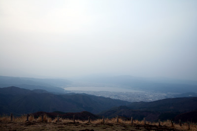 高ボッチ高原から諏訪湖を眺める